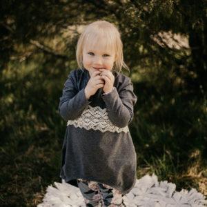 lasten-kotimainen-ihastuttava-taimi-trikoo-tunika