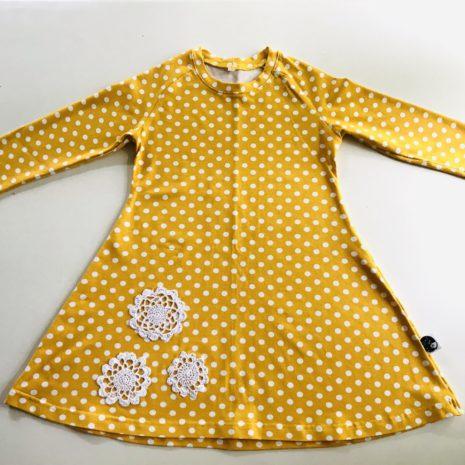 Keltainen mekkotunika