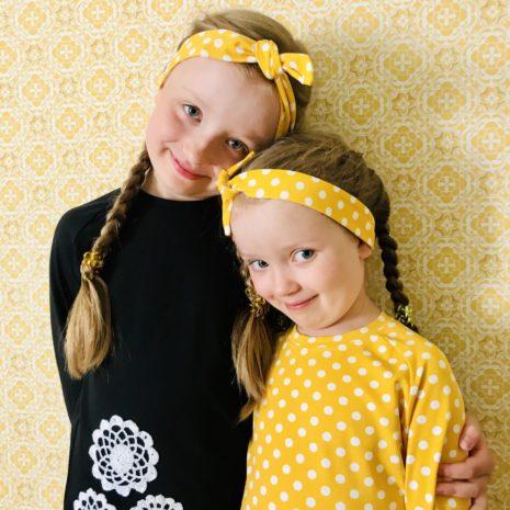 Lasten YellowQuu paita ja leggingsit settinä