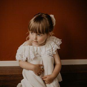 kuvausvaatemallisto-lapsille-kotimaista-kasityota