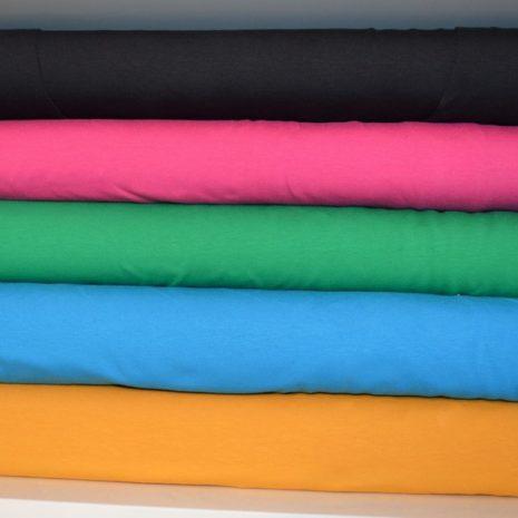 plusquu-kotimaiset-naisten-vaatteet-kankaiden-varit