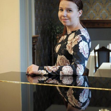 Kotimainen naisten trikootunika