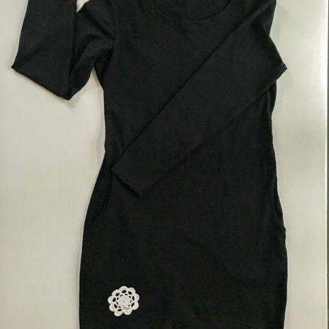 Kotimainen naisten musta trikootunika
