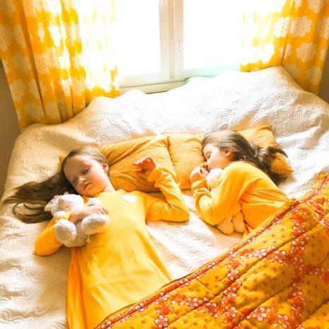 Kotimaiset lasten yövaatteet